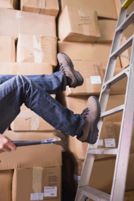 Employee slipping off of ladder: WorkingManLaw Workplace Safety Blog